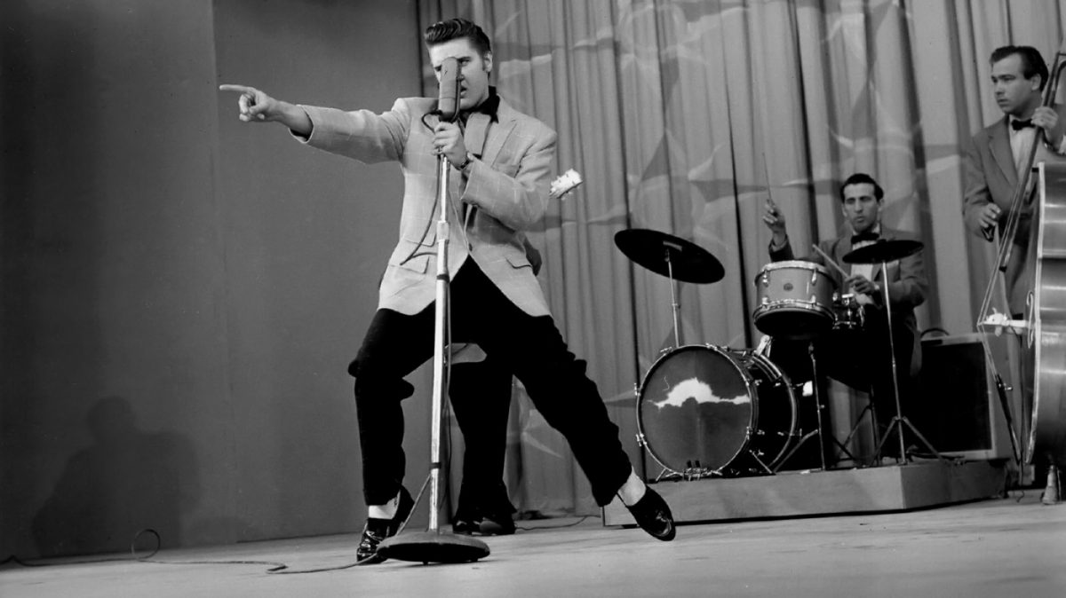 Elvis, Scotty Moore, D. J. Fontana und Bill Black am 05. Juni 1956 mit dem Song Hound Dog