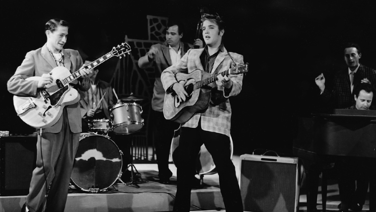 Scotty Moore, Bill Black und Elvis am 09. September 1956 in der Ed Sullivan Show