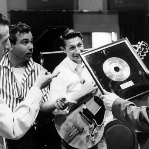 D. J. Fontana, Bill Black, Scotty Moore und Elvis im Studio