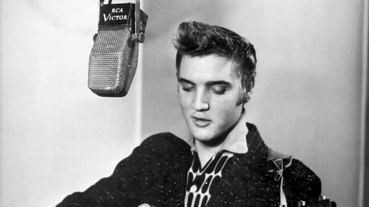 Elvis am 01. Dezember 1955 im RCA Twenty-fourth Street Studio in New York (Foto für Albencover)